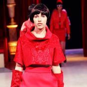 Thème La femme en rouge